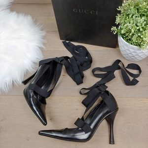 Gucci Pointed Toe Lace Up Leather Heel Pumps Black